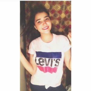 Levi's (Top & Bottom Bar) T-Shirts